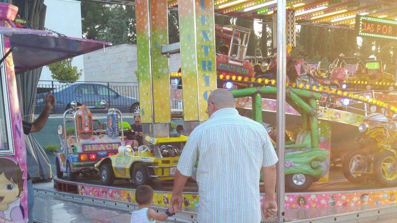 Miércoles Mudo #125: Con el abuelo para montar en las ferias