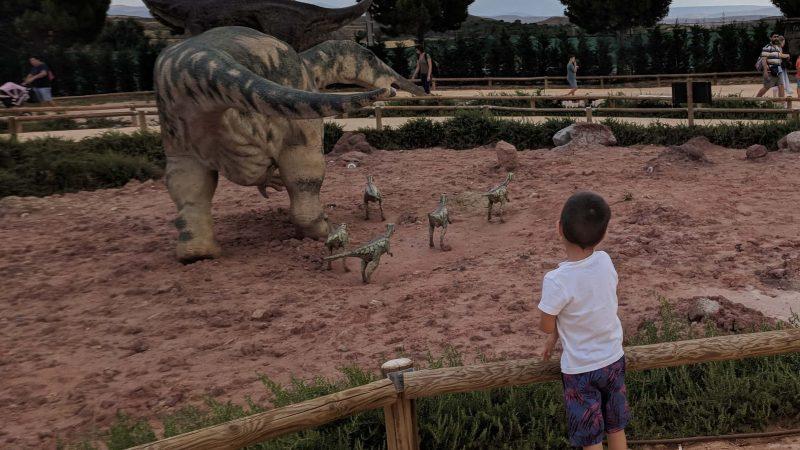 Miércoles Mudo #181: Viendo dinosaurios